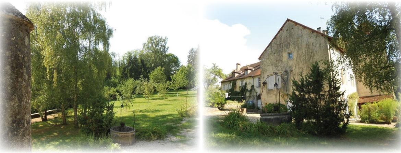 Extérieur gîtes château de Feschaux Jura